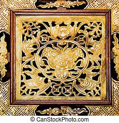 Old frame carving dragon