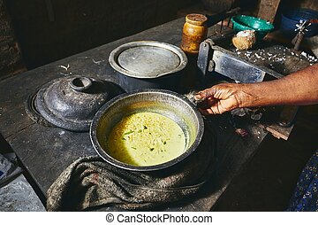 Old home kitchen in Sri Lanka - Preparation rice and curry ...