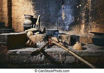 Old home kitchen in Sri Lanka - Preparing food on fire pit ...