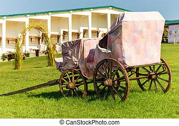Old horse-drawn carriage. - Old horse-drawn carriage on...