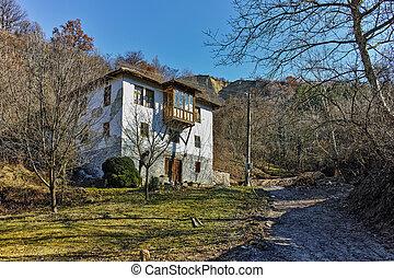 Old house in village of Rozhen