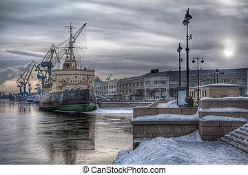 Old icebreaker at sea port - Old Soviet icebreaker Krasin ...