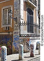 Old Lisbon, Alfama center