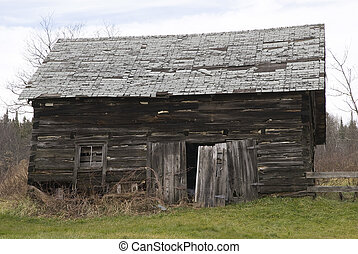 old log shed in canada