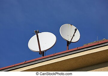 Old Parabola Receivers - Parabola satellite receivers on a ...