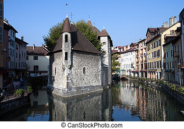 Annecy old city : Old prison and canal of Thiou