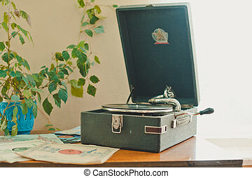 Old record player 871.