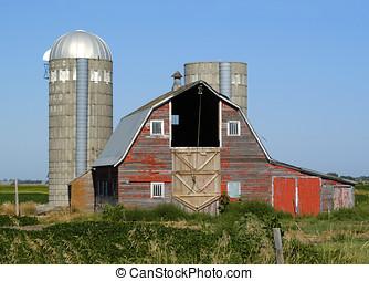 Red Barn - Old Red Barn in South Dakota