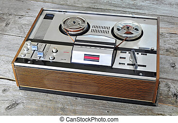 Old reel to reel tape recorder and player - Photo of old...