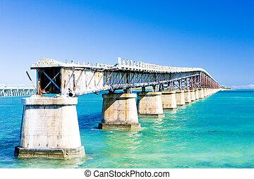 old road bridge connecting Florida Keys, Florida, USA