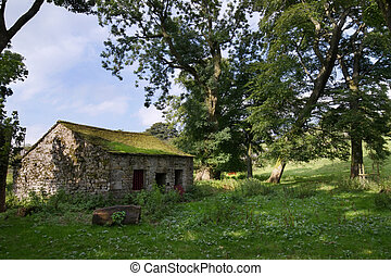 Yorkshire dales - Old rundown building in the Yorkshire...