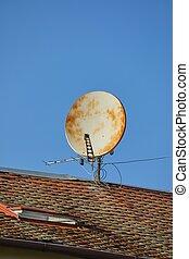 Old Rusty Parabola Receiver - Parabola satellite receiver on...