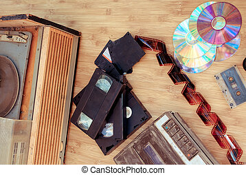 Old subjects of 80-90 years: video of the cartridge, disks,...