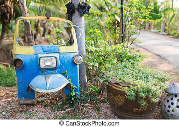 Old Tuk tuk Can not drive it as a junkyard