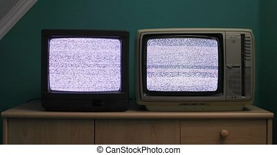 Old TV no signal - No signal just white noise on two small ...