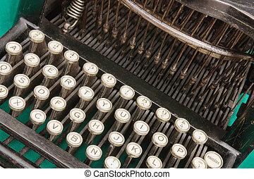 old typrwriter