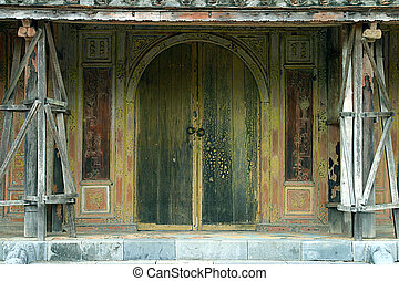 Old Vietnamese door - Old monument door (Vietnam).