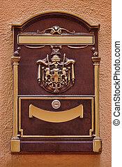old vintage mailbox