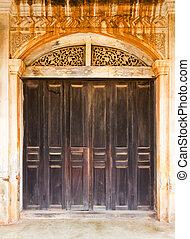 Old wood door 1
