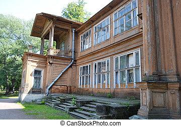 Old wooden abandoned buildind, Cottage Gromov. - Old wooden...
