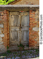 old wooden door in Italy