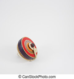 Old wooden spinning top toy (1)