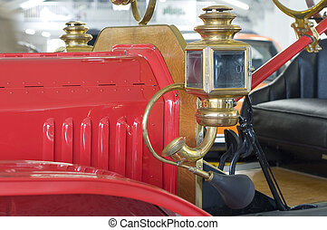 oldsmobile from the fire brigade with horn and lantern