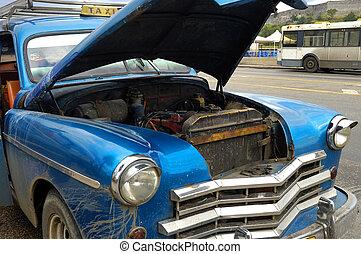 Oldtimer crashed - Detail of vintage classic car crashed in ...