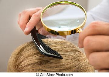 olhar, cabelo, vidro, através, dermatologista, loiro, magnificar