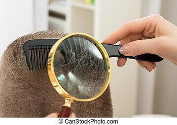 olhar, cabelo, vidro, através, dermatologista, magnificar