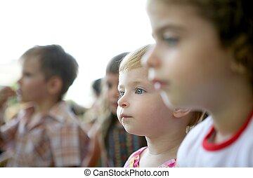 olhar, crianças, espectador, mostrar