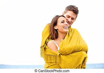 olhar, embrulhado, par, cobertor, feliz