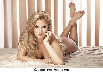 olhar, mulher, cama, pelado, câmera, excitado, loiro,...