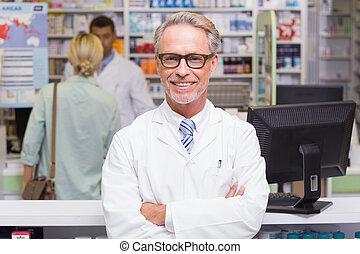 olhar, sorrindo, farmacêutico, câmera
