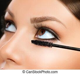 olhos, applying., maquilagem, mascara, maquiagem, closeup.