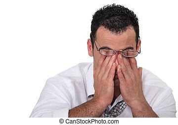 olhos, seu, escritório, cansadas, rubbing, trabalhador