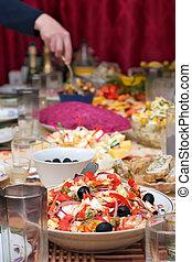 olijven, seafoods, groentes, slaatje