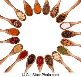 olika, slagen, av, kryddor, på, trä skedar, isolerat, vita,...