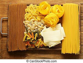 olika, slagen, av, pasta, (spaghetti, penne, fusilli)