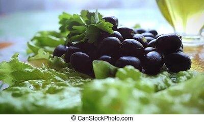 olives, lent, oil., bol, mouvement, verre, tas, automne, olive, table, transparent