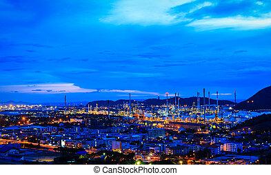 oljeraffinaderi, växt, hos, skymning, natt