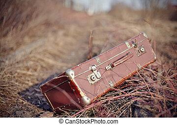 olvidado, pasado de moda, maleta