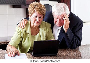 olycklig, äldre koppla, oroande, om, utgiften