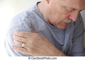 ombro, dor, em, um, homem sênior