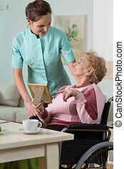 omsorgen, handikappat, sköta, kvinna, om