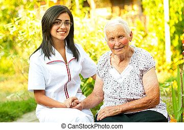 omsorgen, läkare, med, lycklig, äldre, dam
