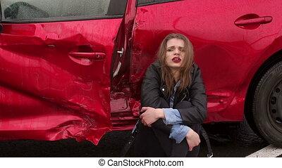 ona, gruntowy, co, dziewczyna, szczelnie-do góry, wóz, złamany, posiedzenie, wypadek