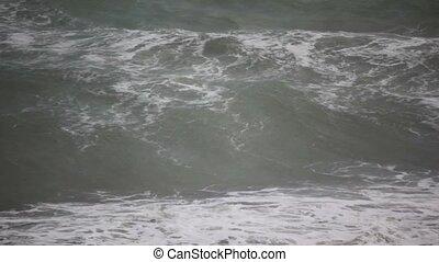 ondas grandes, de, escuro, mar, em, tempestade, entorpeça,...