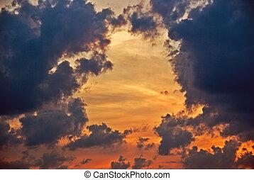 ondergaande zon , dramatisch, wolken
