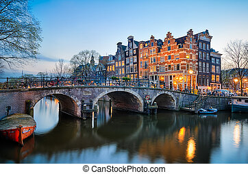 ondergaande zon , in, amsterdam, nederland